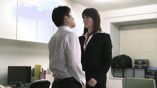 JUY-946 転職先の女上司に勤務中ずっと弄ばれ続けている新人の僕 澤村レイコ