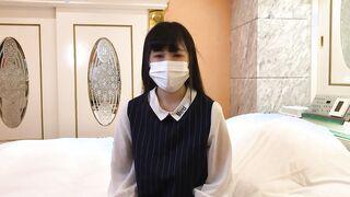 FC2-PPV 2304647 うみちゃんの同級生。友達が舐め尽くした珍棒を上書きフェラ→大量顔射。